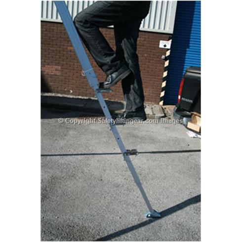 Lifting Tripod, Shear Legs,WLL 1 tonne, Adjustable.